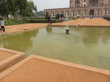 Fountain before Humayun's Tomb
